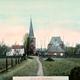 De protestantse kerk op een ansichtkaart uit 1910. Je ziet duidelijk dat het middenschip ontbreekt. Collectie G.G.Driessen.