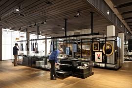 Erfgoedcentrum Rozet, waar onder andere de Gelderland Bibliotheek gevestigd is. Bron Rozet © Rozet