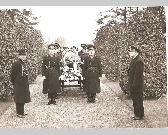 Aanzegger, Aanspreker, Begrafenisondernemer
