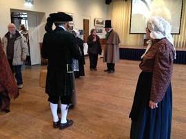 Kostuumwerkgroep van Historische Vereniging Tweestromenland tijdens Gelredag 6 maart 2016 © mijnGelderland