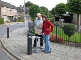 Moment voor monument. Wandeling georganiseerd door Stichting Tremele,2009