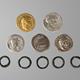 De muntschat gevonden in Canabae. De herkomst van de vijf ringetjes is onbekend © Museum het Valkhof