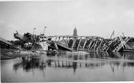 De Arnhemse Rijnbrug na mei 1940 © Collectie Gelders Archief