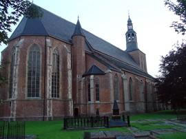 Oude Calixtuskerk met kerkhof in Groenlo