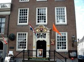Museum Buren en Oranje, voorgevel