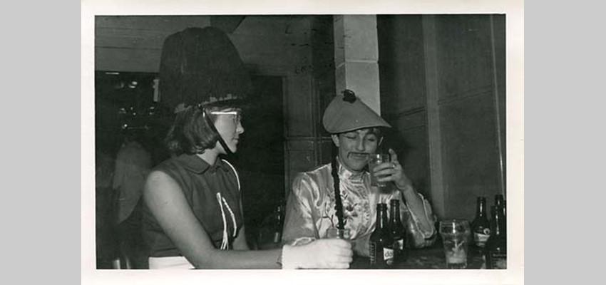 http://mijngelderlandmedia.azureedge.net/beeld/Verhalen/Ontmoet_je_wijk/malburgen/discos/Anneke_van_der_Gaag_en_Joop_Kusse_tijdens_Carnaval_in_Hotel_Zuid_60.jpg